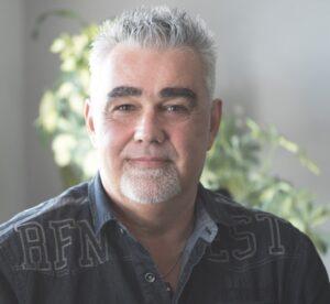 Alain Veilleux gestionnaire qualité Humaco Acoustique entrepreneur en systèmes intérieurs