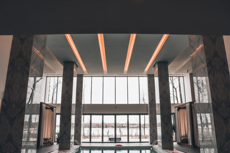 Fenêtres des condos de l'île paton réalisation d'Humaco Acoustique Montréal