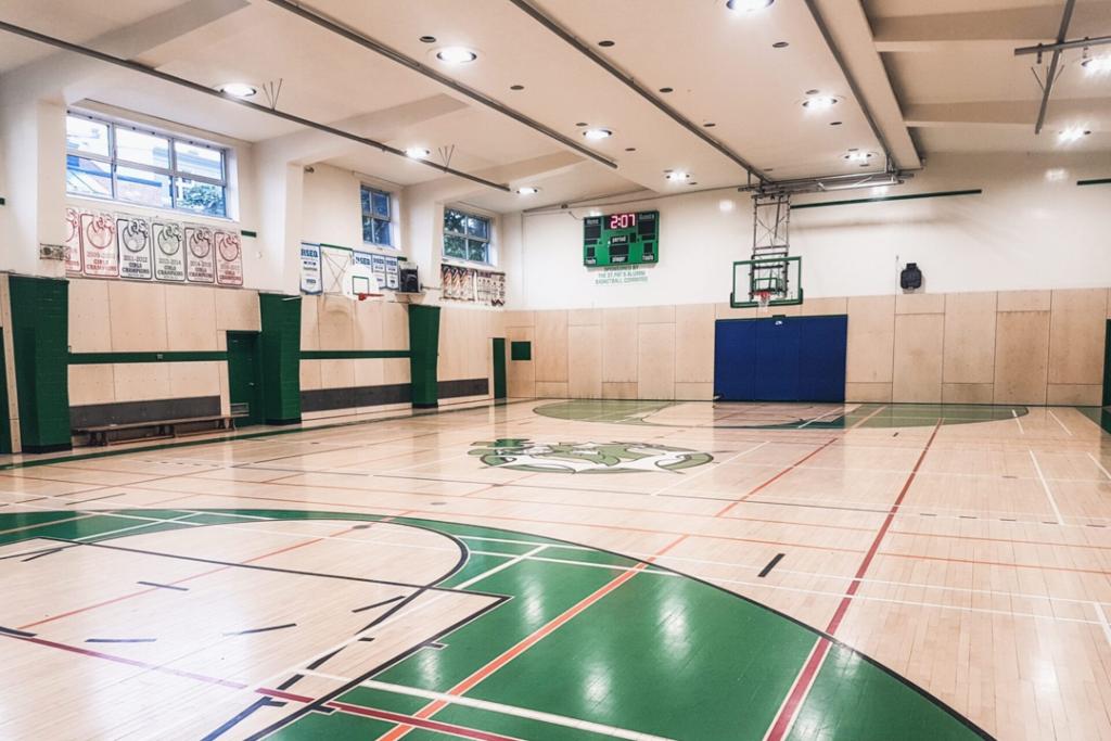 Gymnase de l'école St. Patrick High School réalisation d'Humaco Acoustique Québec