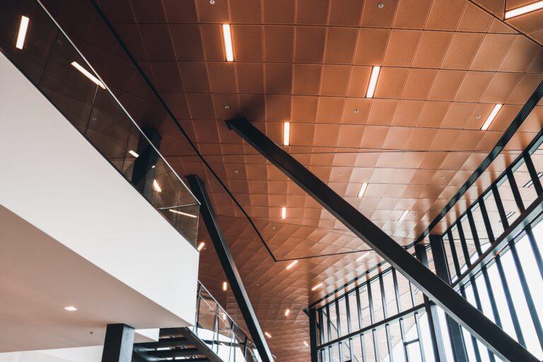 Plafond et fenêtres de l'hôtel Sheraton Saint-Hyacinthe
